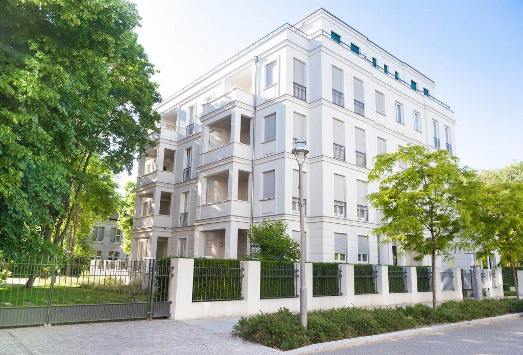 Beratung zum Immobilienrecht für Eigentümer von der Immobilienanwältin Barbara Hoeck-Eisenbach (C) Adobe / Tiberius Gracchus
